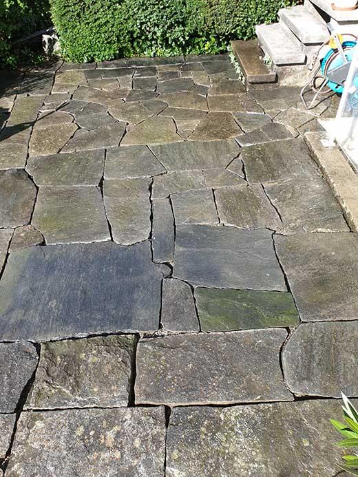 Bodenplatten aus Naturstein